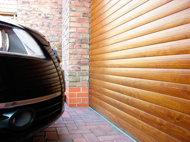Защита жилья и автомобилей – главная функция гаражных ворот.